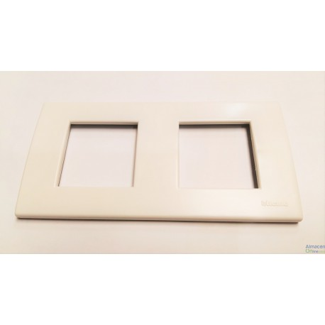 PLACA BTICINO LIGHT 2+2 MODULOS blanco